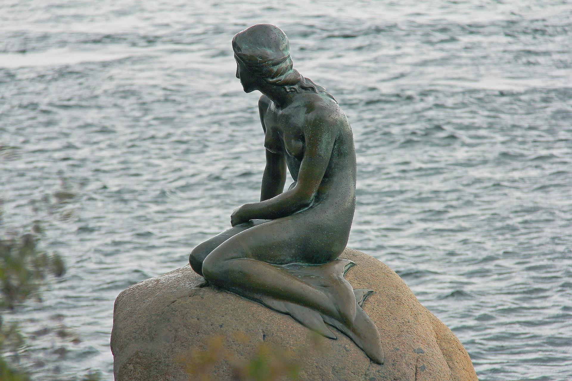 Paesi più sicuri al mondo statua sirenetta Danimarca
